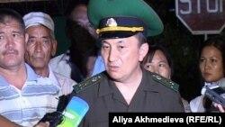 И.о. директора пограничной службы РК Тургамбек Стамбеков. Ушарал, 26 июля 2012 года.