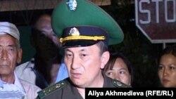 ҰҚК шекара қызметінің директоры міндетін атқарушы полковник Тұрғанбек Стамбеков. Үшарал, 26 шілде 2012 жыл.