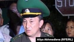 И.о. директора пограничной службы Казахстана Турганбек Стамбеков. Ушарал, 26 июля 2012 года.