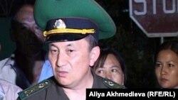 Тұрғанбек Стамбеков, ҰҚК шекара қызметінің директоры қызметін атқарушы. Үшарал, 26 шілде 2012 жыл.
