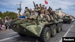 Бойовики угруповання «ЛНР» у Луганську