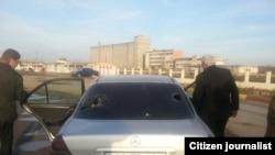 Повреждения на автомобиле Исы Гамбара после нападения в Лянкяране, 13 января 2013