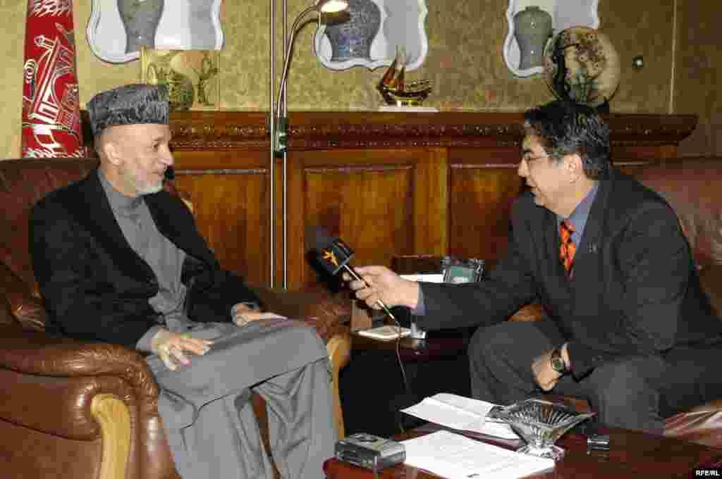 Afghan Service Director Akbar Ayazi interviews President Hamid Karzai, 2006.