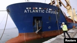 "Anija ""Atlantic Cruiser"" arrin në portin ""Iskender"", Turqi, 18 prill 2012"