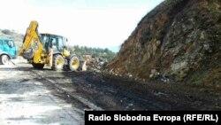 Oбиколницата над Битола, откако е расчистена од смет.