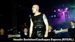 Станислав Трифонов во групата Ку-Ку