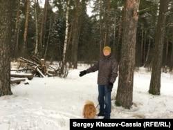 Антон Косяков показывает место происшествия
