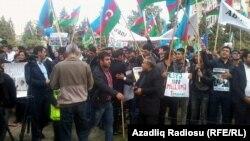 По мнению эксперта, митинги и акции протеста в Азербайджане давно уже утратили свое значение в качестве средства воздействия на общественно-политическую ситуацию