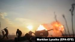Військові Збройних сил України на лінії зіткнення поблизу селища Новолуганське Донецької області, січень 2018 року