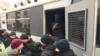 В Киеве расследуют действия полиции после уличных столкновений
