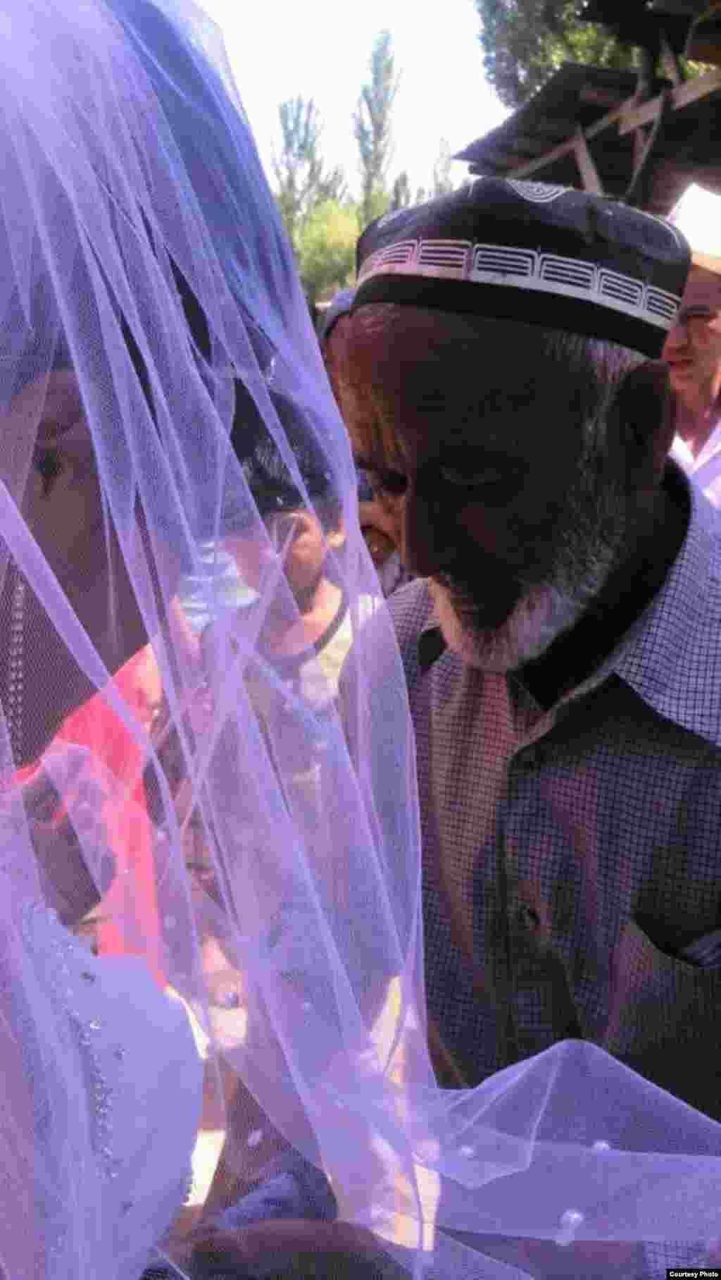 Свадьба прошла с соблюдение кыргызских и узбекских традиций