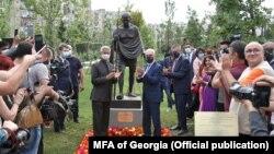 Открытие памятника, 10 июля