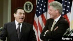 H.Mubarak və B.Clinton