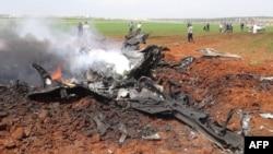 Обломки правительственного самолета, предположительно сбитого на севере Сирии. 5 апреля 2016 года.