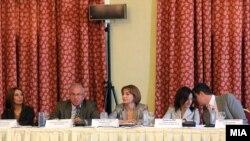 Тркалезна маса на тема Предизвиците и перспективите на македонскиот медиумски сектор на 14 септември 2011 година.