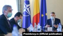 """Președintele Klaus Iohannis a făcut luni un """"bilanț intermediar"""" legat de măsurile anti-coronavirus."""