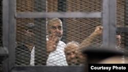 قيادات من الاخوان في قفص الاتهام(من الارشيف)