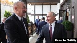 Presidenti i Azerbajxhanit, Ilham Aliyev, dhe presidenti i Rusisë, Vladimir Putin.