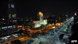 Тысячи людей собрались в центре Рио-де-Жанейро. 20 июня 2013 года.