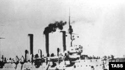 """Крейсер """"Аврора"""" в 1917-ом году"""