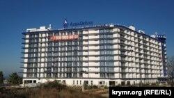 Комплекс «Аква Delux» возводится рядом с отелем «Аквамарин»