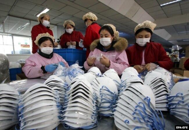 Производство масок в Китае