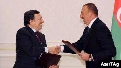 Ilham Əliyev və Jose Manuel Barroso, 2011