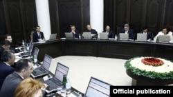 Armenia - A cabinet meeting chaired by Prime Minister Tigran Sarkisian, 14Apr2011.