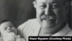 Marat Nyýazow agtygy Nazar bilen