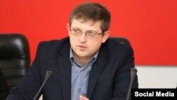 Володимир Бобков, голова «комітету» з освіти, науки, молодіжної політики і спорту «Держради» Криму