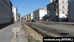 Абапал вуліцы толькі камяніцы