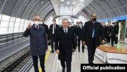 26 декабрда президент Мирзиёев Тошкент метрополитенининг Сергели йўналиши очилишида қатнашди.