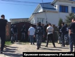 Обыски у крымскотатарских активистов в Белогорске, 26 апреля 2018 года