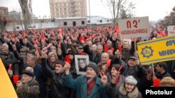Armenia -- Supporters of Tigran Karapetian, the owner of the closed ALM television, rally in Yerevan, 28Feb2011.