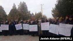 Калыковдун жакындарынын митинги. Баткен. 26-ноябрь, 2018-жыл.