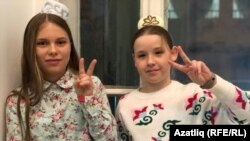 Диана Җәмдиханова (с) һәм София Барбашова (у)