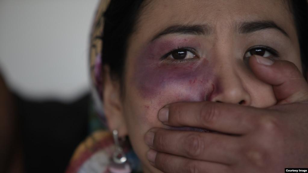 «У нас насилие в семье доходит до того, что человека убивают» 38314a98347