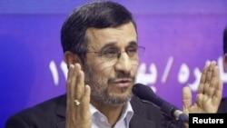 محمود احمدینژاد، رییس جمهوری اسلامی ایران در چهار ماه آخر ریاستجمهوری خود قرار داد.