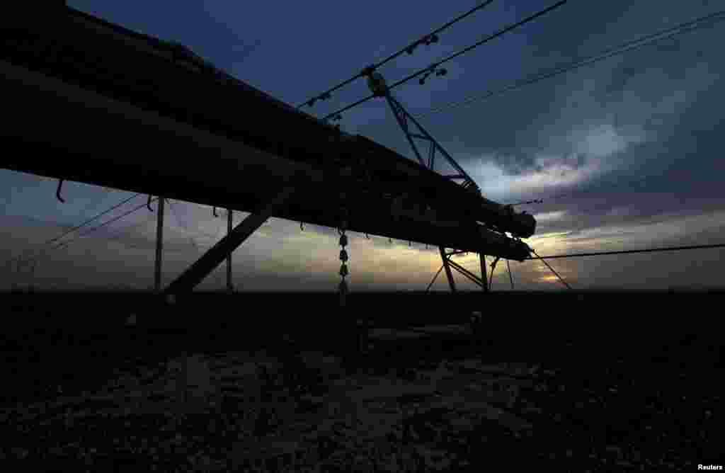 Из-за подрыва ЛЭП в Херсонской области Украины Крым оказался полностью отключен от электроэнергии, поступающей с материка.