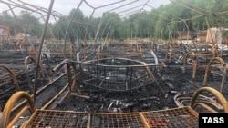 Последствия пожара в палаточном лагере в Хабаровском крае