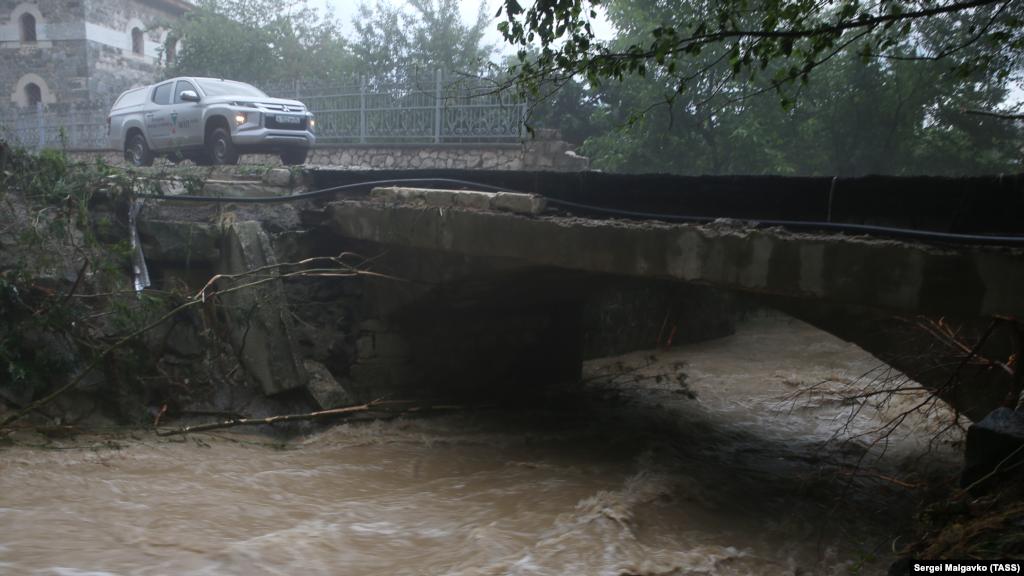 Река Коккозка в селе Соколиное Бахчисарайского района также вышла из берегов
