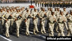 Armenia - Armenian soldiers march in a military parade in Yerevan, 21Sept2011.