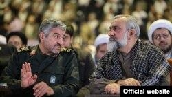 محمدعلی جعفری (چپ) میگوید که «تفکر خطرناکی مقابل راه انقلاب وجود دارد».