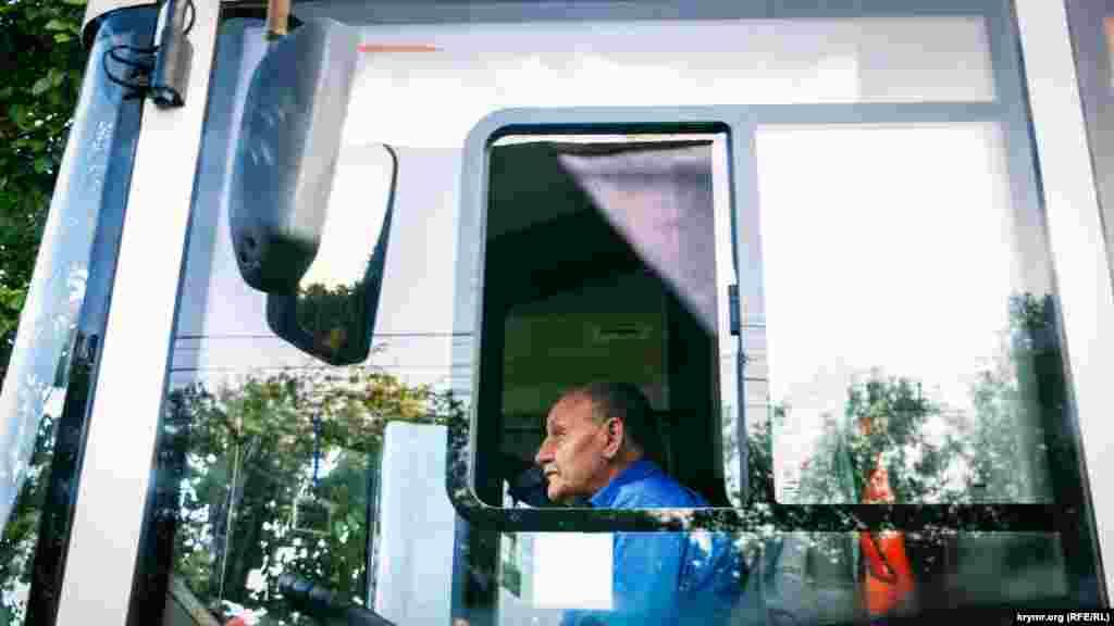 Водій першого тролейбуса