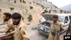 ارتش پاکستان چهارشنبه ۲۲ خرداد ماه از مرگ ۱۱ نفر از نیروهایش در نتیجه یک بمباران خبر داده بود. (عکس از AFP)