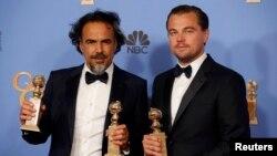 Режисер Алехандро Гонсалес та актор Леонардо ді Капріо на врученні премії «Золотий глобус», США, 10 січня 2016 року