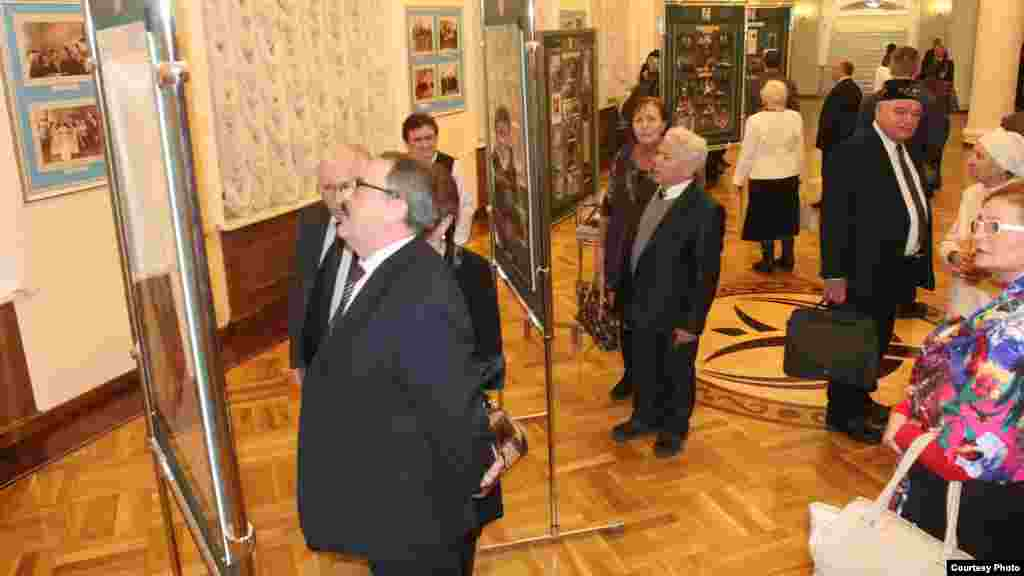 Илһам Шакиров концертына килгән тамашачылар