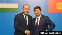 Премьер-министры Мухаммедкалый Абылгазиев и Абдулла Арипов. 18 декабря 2018 года.