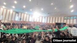 تجمع دانشجویان در دانشکده فنی دانشگاه تهران