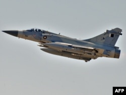 Истребитель-бомбардировщик ВВС Катара во время операции в Ливии. Март 2011 года